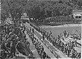 Troupes serbes embarquant sur des bateaux francais a Corfou en 1916.jpg