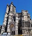 Troyes Cathédrale St. Pierre et Paul Fassade 3.jpg