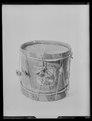 Trumma med två spända trumskinn löstagna från trumman - Livrustkammaren - 10774.tif