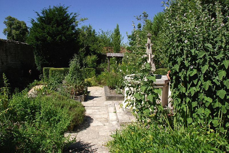 jardin de l'abbaye de tusson
