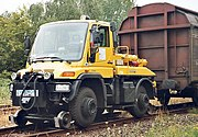 Two-way-vehicle unimog.jpg