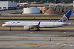 United Airlines, N596UA, Boeing 757-222 (19559316304).jpg