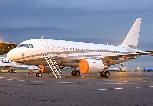 Untitled (Global Jet Luxemburgo) Airbus A318-112CJ (Elite) LX-GJC (3106903673)