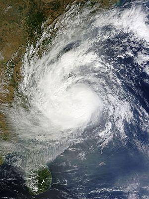 Cyclone Vardah - Image: Vardah 2016 12 11 0515Z