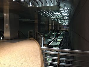 Vermont/Santa Monica station - View from the mezzanine level