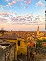 Verona vista dalla scalinata verso Castel San Pietro.jpg