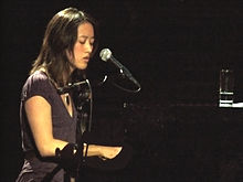 Vienna Teng5 - Joe's Pub NYC 4-7-07 Photo by Anthony Pepitone.jpg