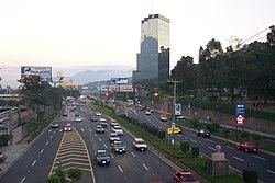 Boulevard de los Próceres (Autopista Sur), San Salvador; one of Central America's widest