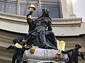 Wien Peterskirche außen Portal 04.jpg