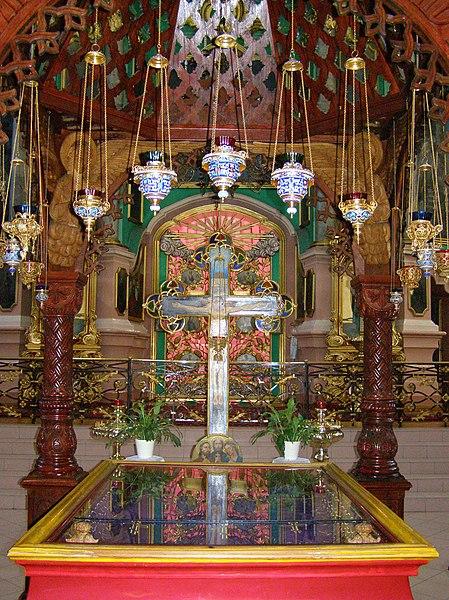 File:Wilno - relikwie meczennikow wilenskich.JPG