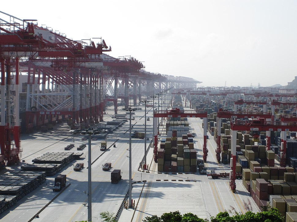 Yangshan-Port-Containers