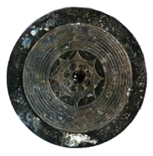 八咫鏡(イメージ)写真は大型内行花文鏡