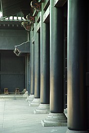 Colonnade at the reconstructed Yushima Seidō in Tokyo.  The hereditary rectors of this Edo period institution were selected from the Hayashi clan.