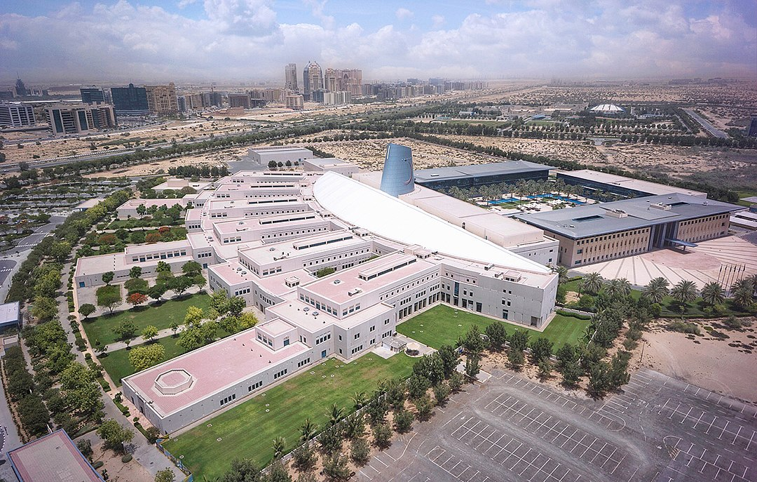 Zayed University - Wikipedia