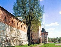 Zaraysk kremlin wall west.jpg