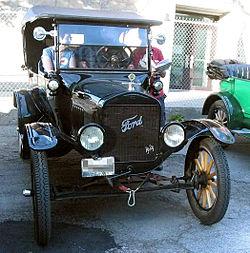 '24 Ford Model T (Auto classique Ste-Rose '11)