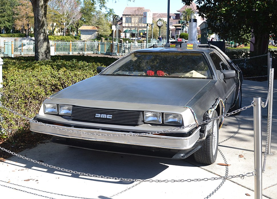 %2781-%2782 DeLorean DMC-12
