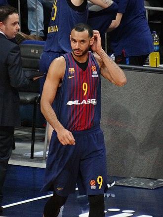 Ádám Hanga - Hanga playing with Barcelona in 2018