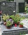 Škvrně Petr-hrob.jpg