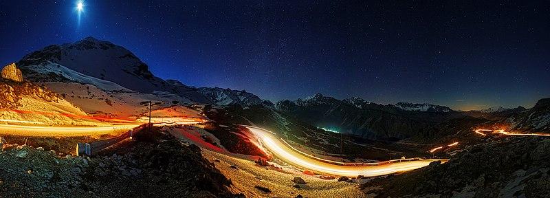 File:Αθαμανικά Όρη υπό το φως του Φεγγαριού - Στάθης Κουτσιαύτης.jpg