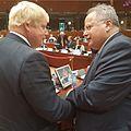 Ο Υπουργός Εξωτερικών, Ν. Κοτζιάς, με τον Υπουργό Εξωτερικών της Μεγάλης Βρετανίας, Μπόρις Τζόνσον (28386714355).jpg