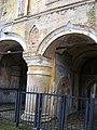 Западный вид на стену меж проездами Врат, КБМ.jpg