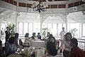 คณะภริยารับประทานอาหารกลางวันในบรรยากาศสบายๆ นางพิม - Flickr - Abhisit Vejjajiva.jpg