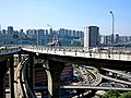 重庆的蓝天- 菜园坝立体交叉大桥(两路口) - panoramio.jpg