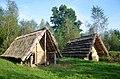 02018 0325 Rekonstruierte Eisenzeit-Hütte im keltischen Dorf am San in Sanok.jpg