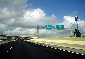 Interstate 110 (Florida) - Interstate 110 near its terminus at Interstate 10; The reconstructed interchange was completed in 2008 and features representations of the Blue Angels on the flyover supports