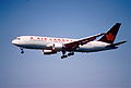 132bk - Air Canada Boeing 767-233ER; C-GDSS@ZRH;12.05.2001 (5398306796).jpg