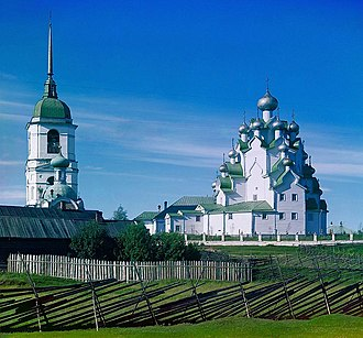 Onion dome - Wooden churches in Kizhi and Vytegra have as many as twenty-five onion domes