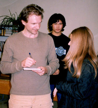 Ralph Fiennes - Fiennes meets young journalists in Bishkek, Kyrgyzstan, in 2003 during his visit as a UNICEF UK ambassador.