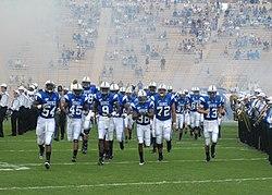 2007 Duke Blue Devils nehmen die field.jpg