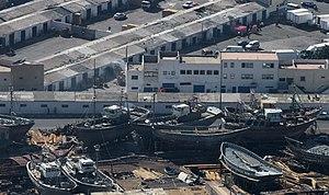 2010-12-14 Morocco Agadir fishing port shipyard 1.jpg