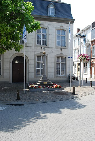 "Tongeren - Het Plein (The Place) with a ""Perroen"", the historic symbol of being one of the ""bonnes villes""."
