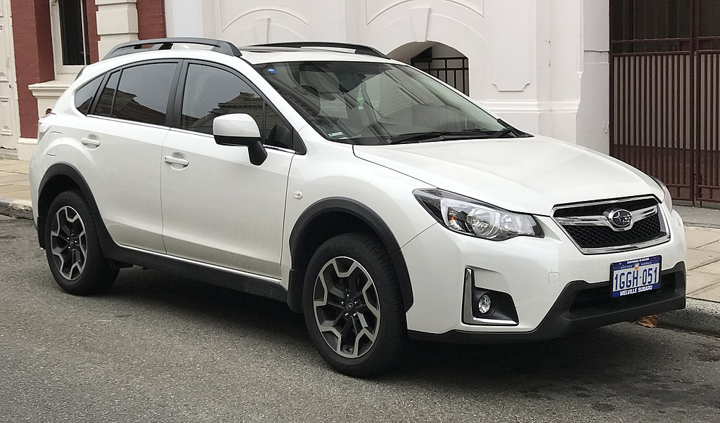 2017 Subaru XV (GP7 MY17) 2.0i-L hatchback (2018-03-26) 01