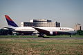 316ef - Delta Air Lines Boeing 777-232ER, N866DA@CDG,06.09.2004 - Flickr - Aero Icarus.jpg