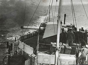 QF 4 inch Mk V naval gun - LA gun on HMS Vampire firing circa 1938