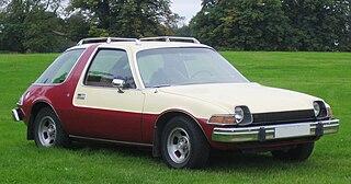 https://upload.wikimedia.org/wikipedia/commons/thumb/f/f0/AMC_Pacer_1975-1978.jpg/320px-AMC_Pacer_1975-1978.jpg