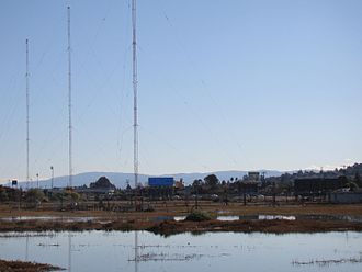 KGMZ (AM) - AM Radio 1550 kHz transmitter site and antennas near US Highway 101 in Belmont