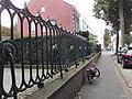 Abstraat hekwerk Sint Servaasbrug.jpg