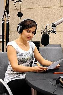 Aleksandra Radwan w studio nagrań.jpg
