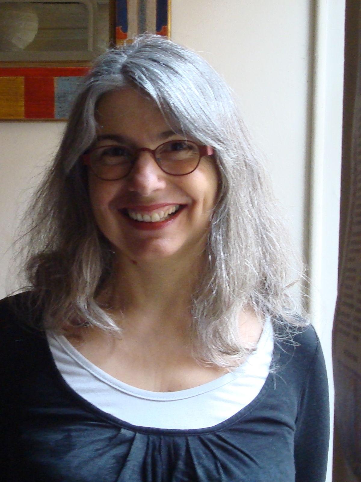 Alina Reyes Wikipedia