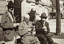 Amedeo-modigliani-max-jacob-andre-salmon-ortiz-de-zarate-montparnasse-paris-1916.jpg