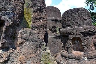 Kolvi Caves - Image: Ancient ruins and pillars