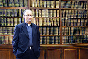 Antonio Spadaro - Antonio Spadaro in 2011 in front of a complete bookshelf of past editions of La Civiltà Cattolica.