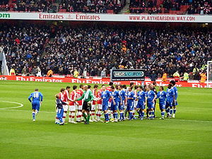 Arsenal vs Everton prematch handshake 2010