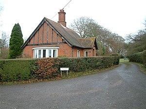 Ashe Warren - Image: Ashe Warren Lodge geograph.org.uk 98429