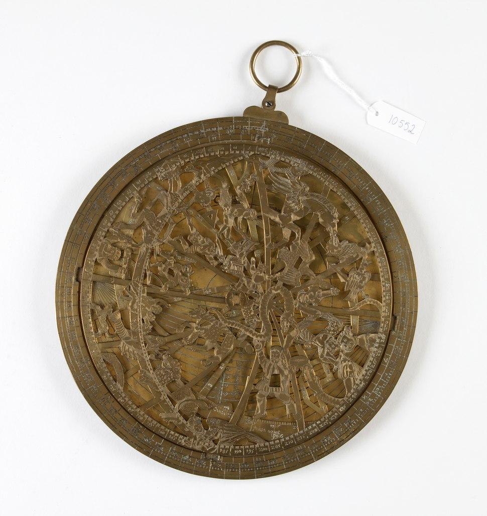 Astrolabium av f%C3%B6rgylld m%C3%A4ssing, fr%C3%A5n cirka 1540-1570 - Skoklosters slott - 92889